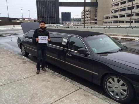 Dương Triệu Vũ cũng từng được Limousine đưa đón khi lưu diễn ở Mỹ.