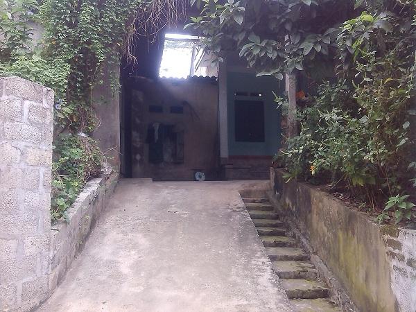 Lối vào ngôi nhà của cô gái có tên dài nhất tỉnh Thái Nguyên