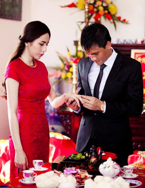 Lễ đính hôn của Công Vinh - Thủy Tiên.