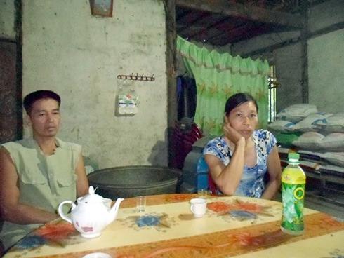 Cũng theo lời kể của cha mẹ Triệu Thị Hà, từ khi chuyển vào TP.Hồ Chí Minh làm việc cho công ty của bà Kim Hồng thì Hà rất ít khi về thăm gia đình, họa hoằn lắm cả năm mới về được đôi ba lần. Mỗi lần cũng chỉ được nửa ngày đến một ngày. Dù Hà nói làm việc cho công ty của bà Kim Hồng nhưng không gửi một khoản chu cấp nào về cho cha mẹ.