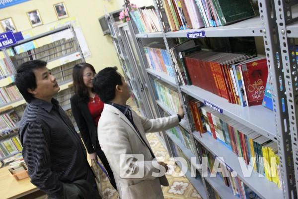 Thư viện trường còn thiếu nhiều cuốn truyện hay, gần gũi với học trò.