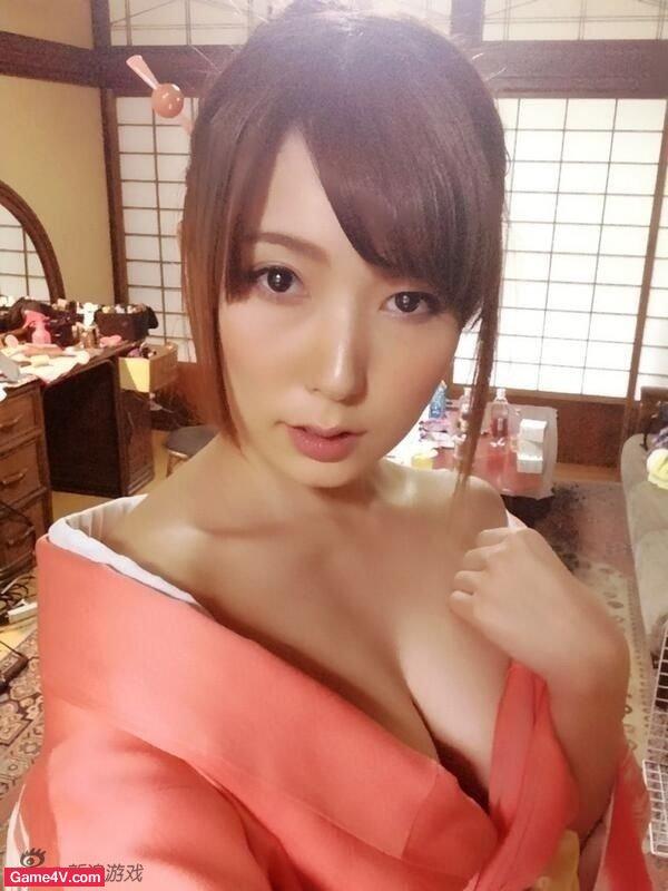 Yui Hatano được coi là một diễn viên phim cấp 3 hàng đầu Nhật Bản.