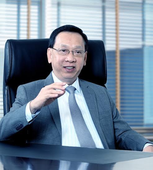 Ông Trần Mộng Hùng, cựu Chủ tịch ACB đã bỏ nghề gõ đầu trẻ để đầu tư vào ngân hàng.