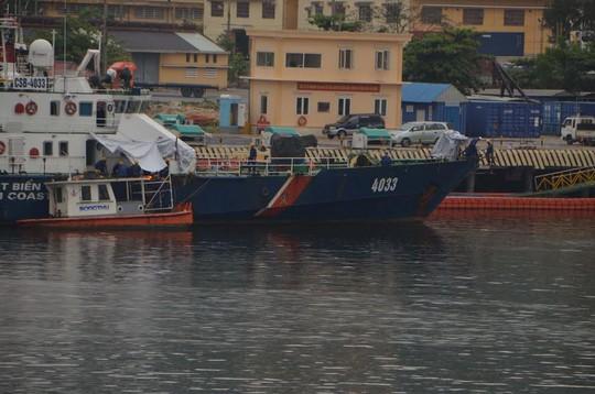 Thậm chí khi bị tàu hải cảnh số hiệu 44044 lao vào mạn phải thì tàu CSB 4033 cũng phải khiến tàu hải cảnh của Trung Quốc bị mất neo và hỏng toàn bộ 3 máy và tàu hải cảnh 44044 sau đó đã không thể hoạt động lại, trong khi tàu CSB 4033 của Việt Nam chỉ cần sửa chữa vài ngày và có thể trở lại hoạt động.