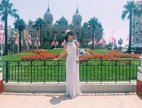 Diễm Trang vừa có chuyến công tác kết hợp với du lịch tại 1 số nước ở châu Âu.