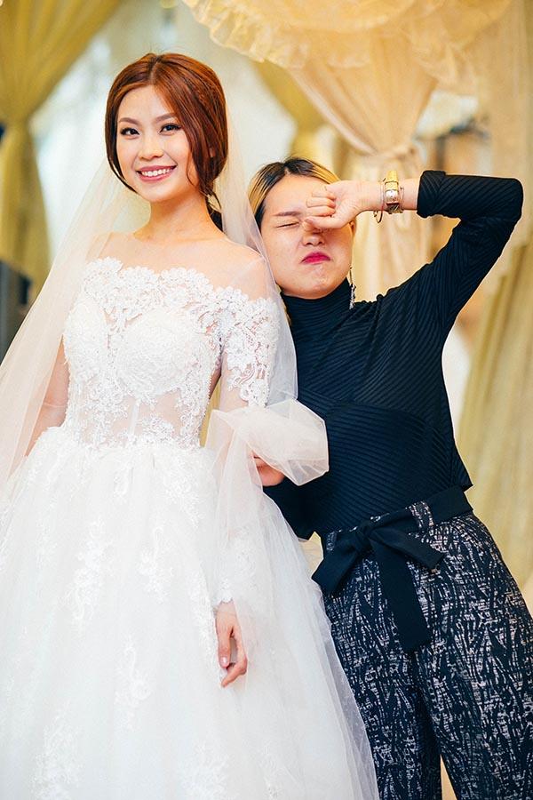 Hiện tại, gia đình Diễm Trang và bạn trai đang tất bật chuẩn bị cho ngày cưới và hi vọng mọi chuyện diễn ra suôn sẻ.