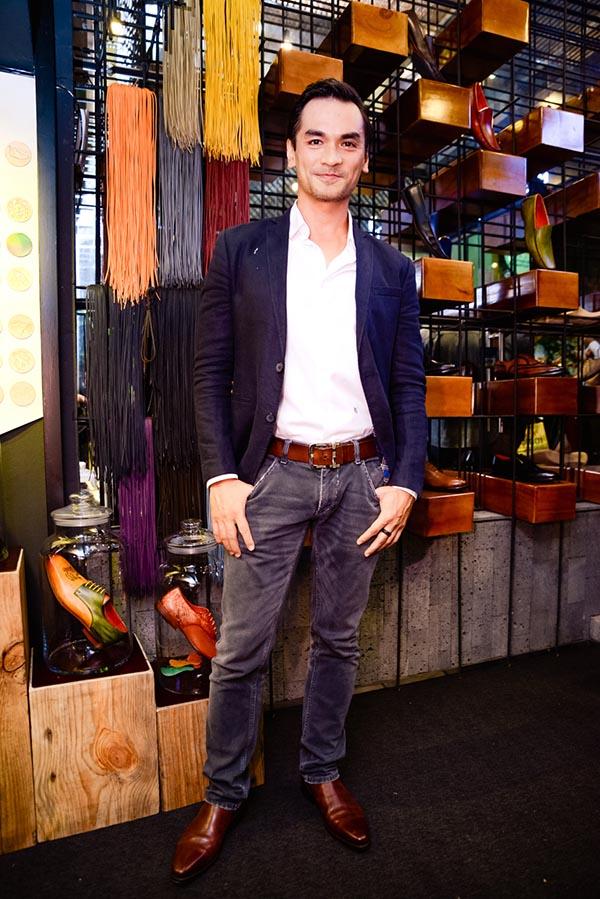 Ngoài Kim Lý, Dương Khắc Linh, cựu siêu mẫu Đức Hải cũng khoe vẻ phong độ với gu thời trang đơn giản, chỉn chu.