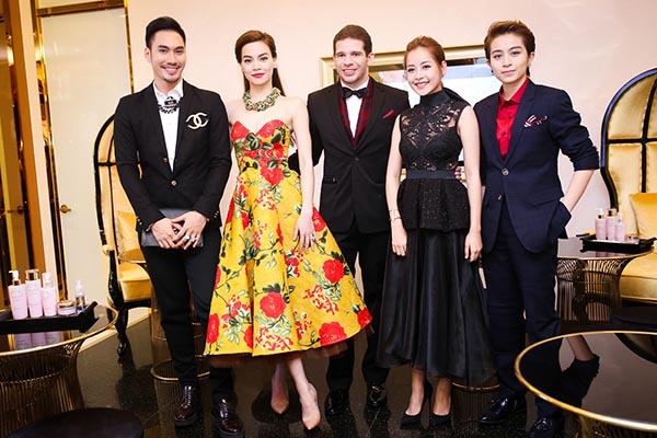 Sự kiện Diễm Trang tham gia còn có sự góp mặt của Hồ Ngọc Hà, Chi Pu - Gil Lê, Lý Quí Khánh...