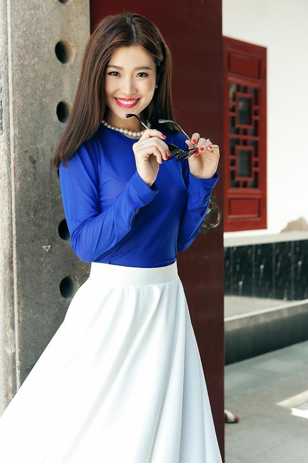 Sau tin đồn sắp lập gia đình,Diễm Trang cũng thừa nhận việc cô đang hạnh phúc bên cạnh bạn trai và giờ đây là chồng sắp cưới.