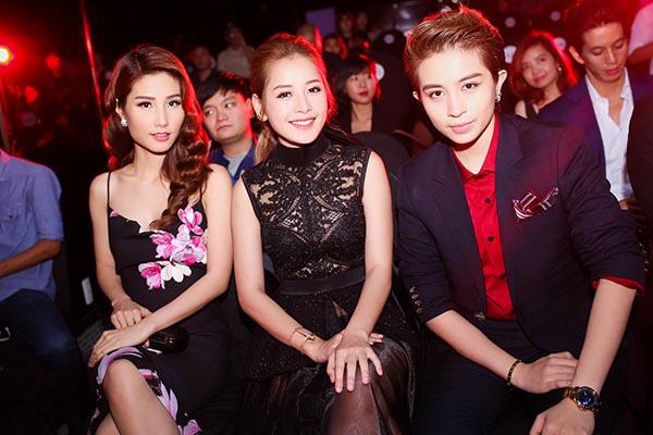 Diễm My 9x hội ngộ cặp đôi tin đồn Chi Pu - Gil Lê trong hoạt động chính của sự kiện.