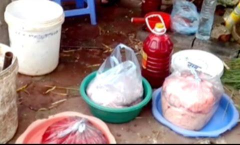 Nhiều quán tiết canh vè hè có nguy cơ ngộ độc thực phẩm rất cao.