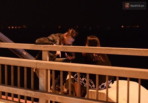 Cầu Nhật Tân trở thành điểm đến hấp dẫn giới trẻ.