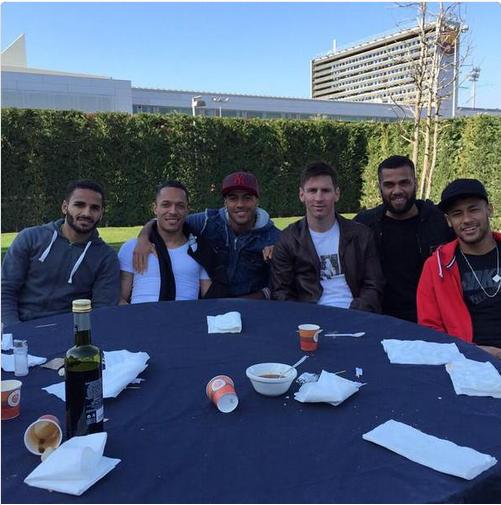 Bữa tiệc ngoài trời của sao Barca