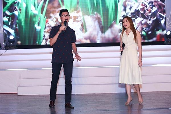 Chiều qua, Mỹ Tâm cùng các ca sỹ khách mời đã có mặt ở Nhà hát Bến Thành để chạy chương trình cho đêm nhạc từ thiện Nâng bước ngày mai sẽ diễn ra vào ngày 4/9.
