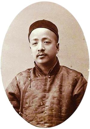 Thẩm Tẫn là một ký giả nhiệt tình, một trí sĩ cốt cán trong phong trào cải cách duy tân tại Trung Quốc vào cuối thế kỷ XIX - đầu thế kỷ XX.