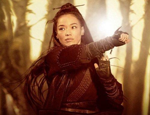 Thư Kỳ vừa mới có một bộ phim hành động võ thuật gây tiếng vang trong năm 2015 Nhiếp Ẩn Nương. Trong phim, Thư Kỳ vào vai một nữ sát thủ có võ công cao cường, được giao trọng trách ám sát chính vị hôn phu của mình.