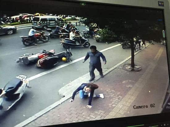 Ảnh được lấy ra từ camera giám sát đường phố.