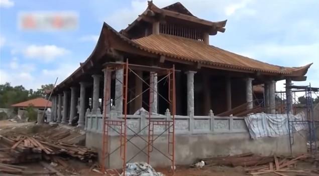 Nhà thờ Tổ nghề sân khấu hàng trăm tỷ sắp hoàn thành của danh hài Hoài Linh