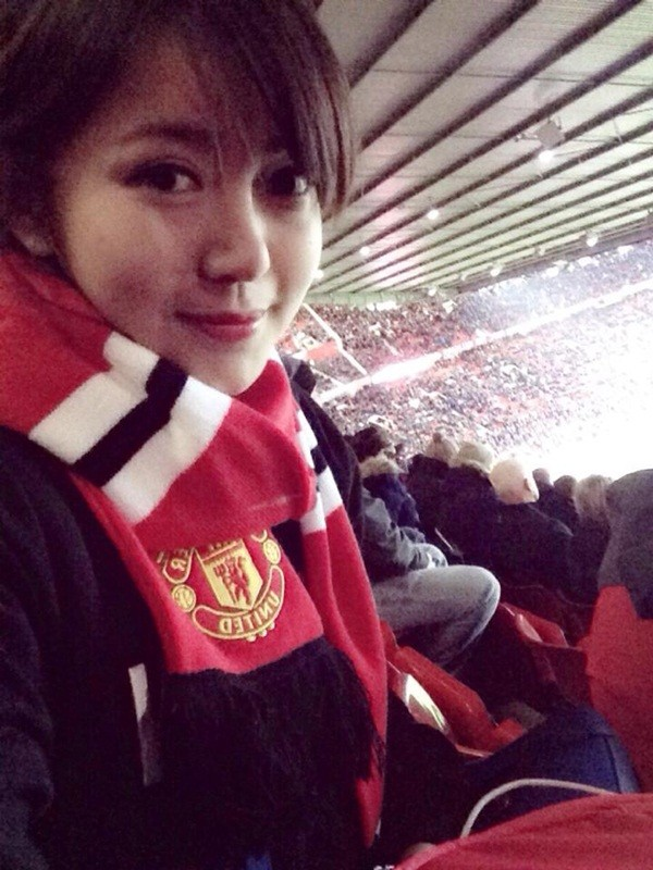 Fan nữ dễ thương của Man United