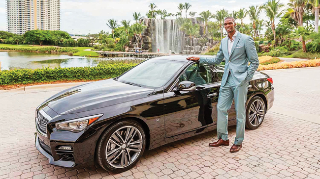 Chris Bosh với một trong những siêu xe của mình. Ảnh: Boston Globe