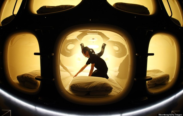 Khách sạn Con nhộng phổ biến tại Nhật Bản và hiện nay đã được nhân rộng ra nhiều quốc gia trên Thế giới