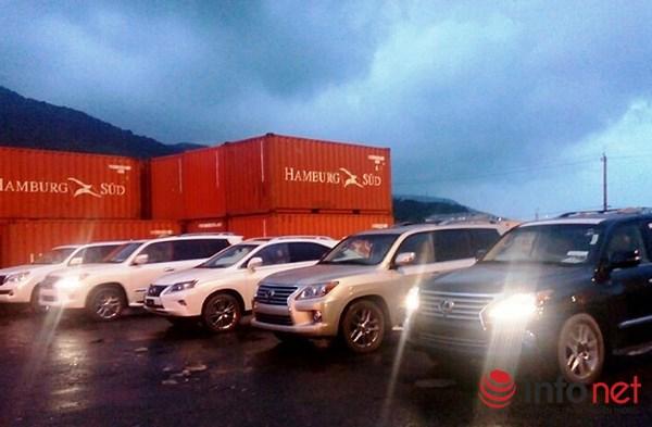 Cơ quan Cảnh sát điều tra (Công an Đà Nẵng) quyết định tịch thu, sung công quỹ 5 siêu xe LEXUS nhập về Cảng Đà Nẵng là vật chứng của vụ án buôn lậu (Ảnh: HC)