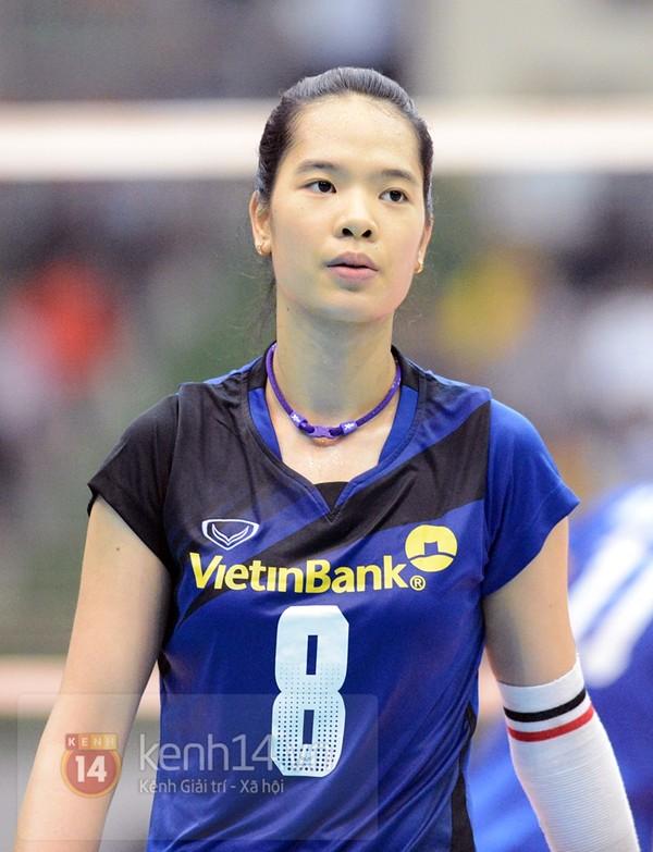 Lê Thanh Thúy sinh năm 1995 và sở hữu chiều cao 1m80 – Hiện Lê Thanh Thúy đầu quân cho đội bóng chuyền Ngân hàng Công thương.