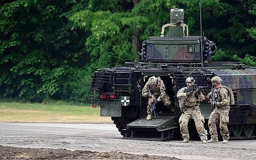Lính Đức trong một cuộc tập trận trong tháng 6/2015