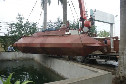Tàu ngầm Hoàng Sa mất tính năng vượt cạn vì... thiếu tiền - Ảnh 1.