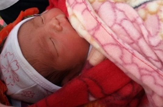 Hiện bé ăn ngủ rất ngoan, sức khỏe phát triển tốt
