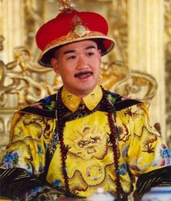 Trương Quốc Lập dễ gây thiện cảm với hình ảnh vị vua điềm đạm, bình dân.