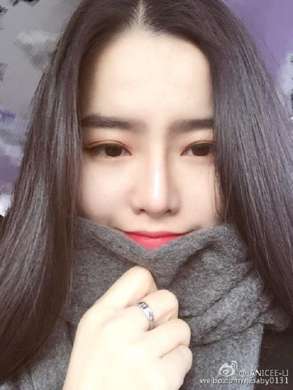 Janice đã từng thừa nhận mình là người đồng tính. Cô cũng để trạng thái trên Weibo là đã kết hôn.