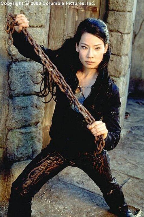 Lucy Liu (tên Trung Quốc là Lưu Ngọc Linh) là một trong những nữ diễn viên Trung Quốc nổi danh tại Hollywood. Vai diễn ấn tượng nhất của Lucy Liu là vai diễn trong Những thiên thần của Charlie.