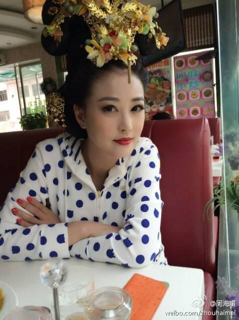 Châu Hải My luôn là cây hài trong hậu trường của Võ Tắc Thiên 2014.