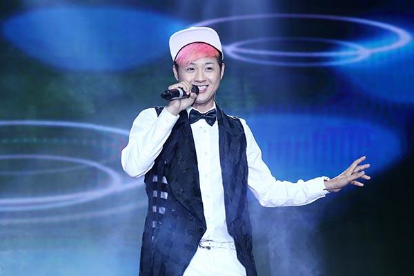 Ngoài Á Phương, Thanh Duy cũng có mặt và khuấy động không khí với những ca khúc như: Haha, Tonight...