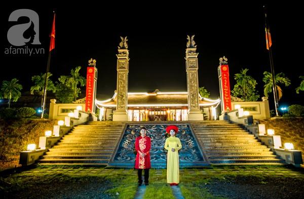 Sau đó cả hai dắt nhau hướng tâm về chùa Kim Sơn Lạc Hồng.