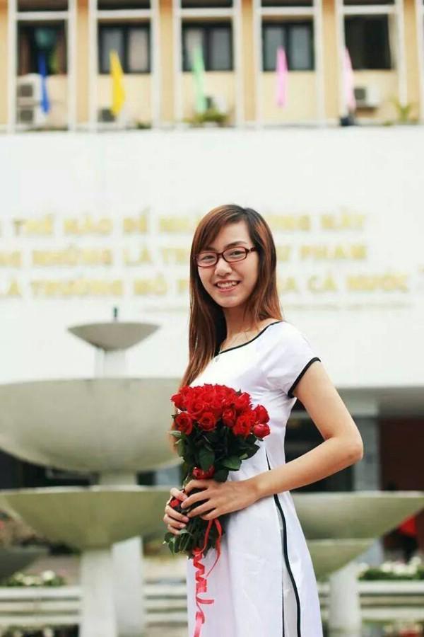 Hiện nay Hương đang là giáo viên chủ nhiệm lớp 5I khối tiểu học Trường Marie Curie. Tuổi nghề còn trẻ nhưng Hương được hiệu trưởng nhà trường đánh giá cao về công tác chuyên môn, sự sáng tạo trong giảng dạy.