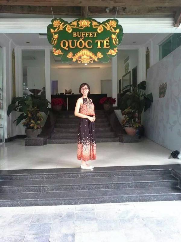 Ban đầu Hương đắn đo vì sự lựa chọn vào trường dân lập thay vì công lập nhưng giờ cô cho rằng đây là một quyết định đúng đắn và nghĩ mình là người quá may mắn.