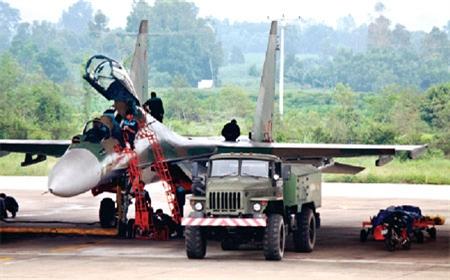 Trung đoàn Không quân thứ ba trang bị Su-30MK2 - Ảnh 1.