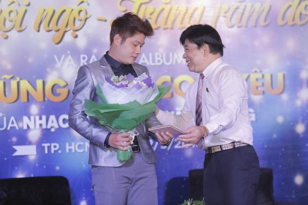 Tối 27/09, Nguyễn Văn Chung sẽ kết hợp với IMC tổ chức Trung thu hội ngộ 2015 nhằm tạo một chương trình cho các em nhỏ và giới thiệu nhiều ca khúc thiếu nhi nằm trong DVD vừa ra mắt.