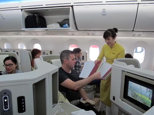 Hiện nay, VNA có 7 máy bay thuộc loại hiện đại nhất thế giới (4 Boeing 787-9 và 3 máy bay A350) được đưa vào khai thác phục vụ các đường bay đến Pháp, Hàn Quốc, Anh, Đức.