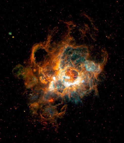 Ảnh chụp các đám mây khí trong tinh vân NGC 604 trong thiên hà M33 vào ngày 17/1/2013