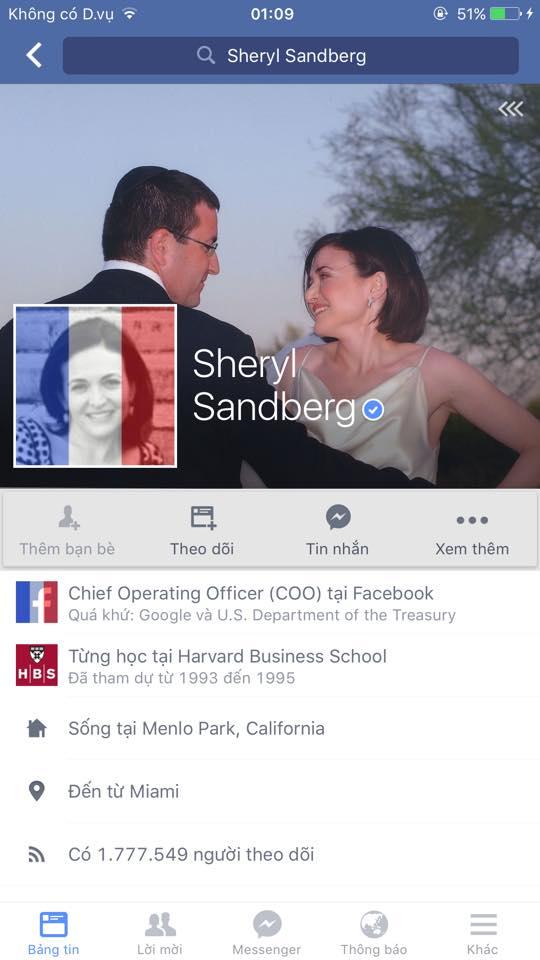 Bà Sheryl Sandberg - COO của Facebook cũng đã thay đổi màu nền avatar