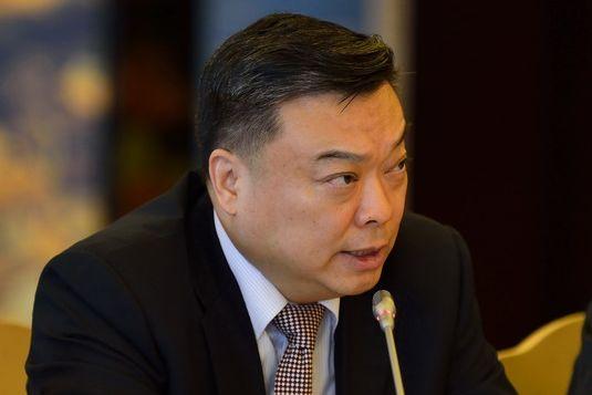 """Đến nay Kim Jong Un vẫn """"không thèm"""" tiếp kiến Đại sứ Trung Quốc Lý Tiến Quân, dù ông Lý đã nhận chức từ tháng 3."""