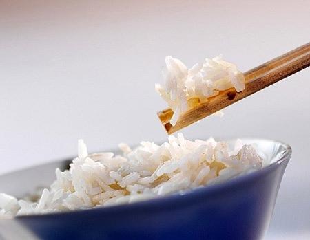 Cơm nguội gây hại cho dạ dày