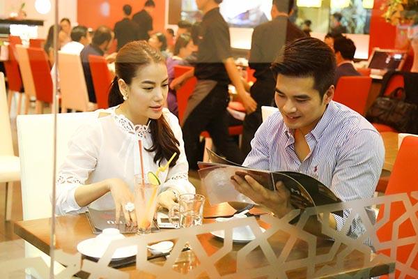 Đồng minh là bộ phim đánh dấu sự tái hợp của Trương Ngọc Ánh và đạo diễn Cường Ngô sau siêu phẩm Hương Ga.