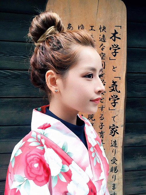 Vẻ đẹp không tỳ vết của Chi Pu ở góc chụp nghiêng khiến nhiều người phải ngẩn ngơ.