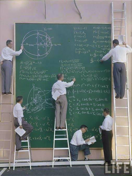 Năm đầu tiên Nash học ngành hóa, năm sau chuyển sang học toán. Một lần anh đến gặp thầy hướng dẫn khoa học là giáo sư R.J. Duffin, trình bày một phát hiện toán học mới của mình.