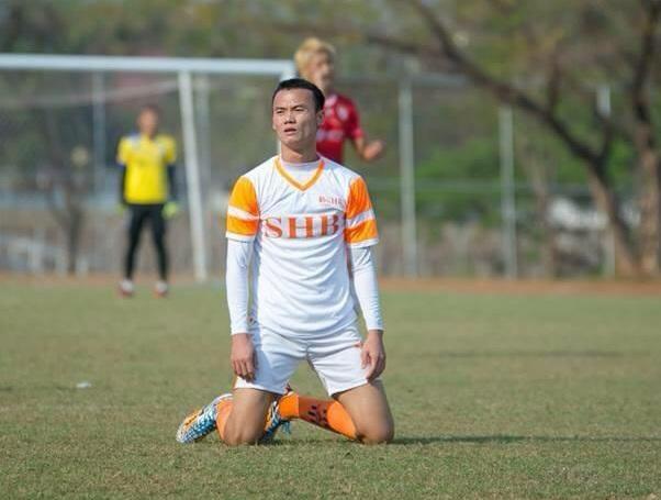 Xuân Nam không tránh khỏi nỗi buồn và cảm giác thất vọng khi bị HLV Miura bỏ qua.