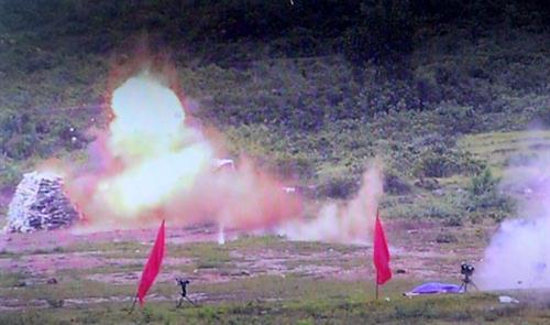 Vũ khí tham gia bắn trình diễn phát huy hoả lực, tiêu diệt mục tiêu.